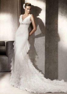 Свадебное платье годе с оборками сзади