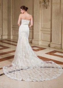 Свадебное платье русалка с широким шлейфом