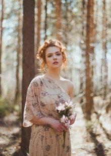 Цветастое свадебное платье на одно плечо