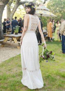 Смелое кружевное свадебное платье бохо