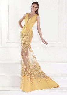 Желтое вечернее платье от Tarik Ediz