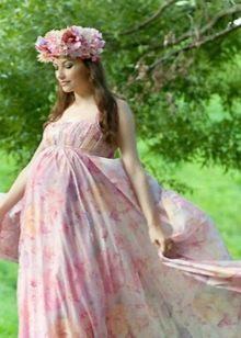 Цветастое свадебное платье для беременных