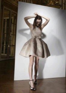 Коричневое пышное свадебное платье