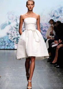Пышное короткое платье свадебное