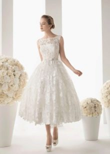 Короткое пышное свадебное платье ажурное