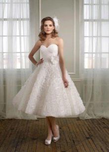 Свадебное короткое платье с цветами