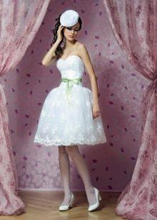 Юбка-бокал в свадебном платье коротком