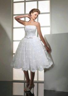 А-образное кружевное свадебное платье
