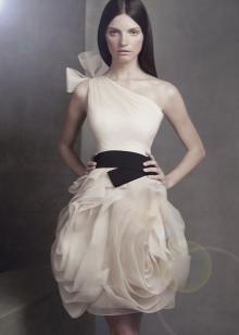 Свадебное платье короткое от Веры Вонг