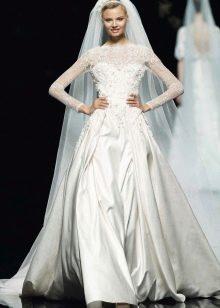 Свадебное закрытое ажурное платье от Ели Сааб