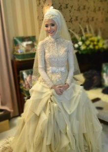Свадебное платье мусульманское с пышной юбкой