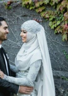 Украшенный стразами свадебный хиджаб
