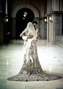 Свадебное мусульманское платье с узорами