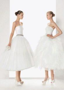 Свадебное платье с пышной юбкой короткое