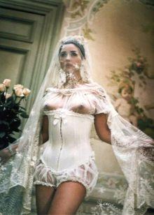 Свадебное платье откровенное Моники Белучи