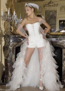 Откровенное свадебное платье-шорты