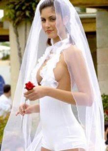 Свадебное очень откровенное платье-шорты