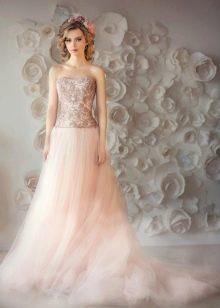 Персиковое свадебное платье от Natasha Bovykina