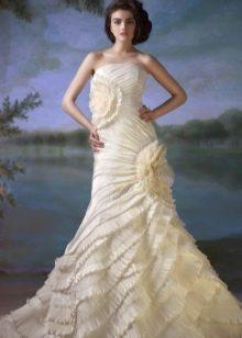 Свадебное платье с рюшами от Светланы Лялиной