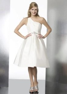 Свадебное платье с одним плечом
