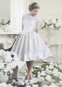 Свадебное платье миди с рукавом