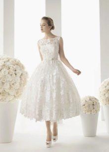Кружевное свадебное платье миди от Rosa Clara
