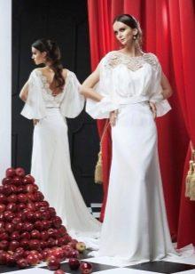 Свадебное платье с рукавом с ажурными вставками