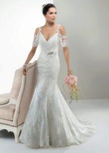 Свадебное платье русалка с коротким кружевным рукавом