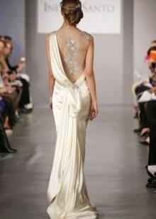 Свадебное платье в греческом стиле с драпировкой на спине
