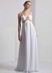 Свадебное платье с драпировкой на лифе