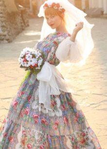 Цветастое свадебное платье в русском стиле