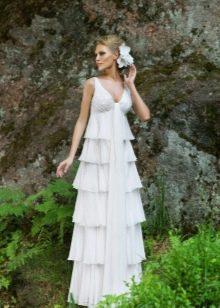 Свадебное платье в стиле рустик с каскадной юбкой