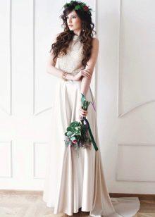 Атласное свадебное платье со стразами от Bohemian Bride