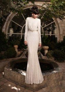 Свадебное платье для зрелой невесты закрытое
