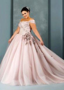 Свадебное пышное цветное платье для полных невест