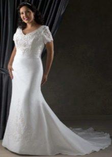 Свадебное платье для полных с рукавами