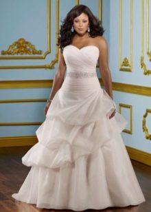 Свадебное платье белое для полных брюнеток