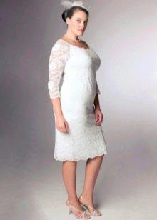 Свадебное кружевное платье футляр для полных
