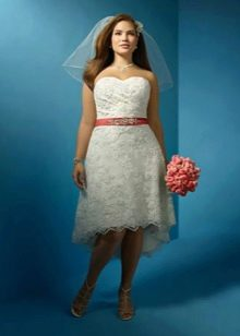 Свадебное платье короткое спереди, длинное сзади для полных невест