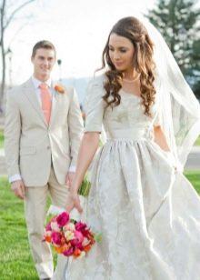 Свадебное платье для венчания серебристого цвета