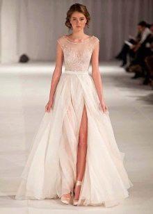 Свадебное платье от Paolo Sebastian с разрезом