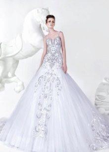 Свадебное платье от Mona Al Mansouri с вышивкой