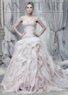 Свадебное платье от Ian Stuart с драпировкой