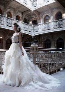 Свадебное платье от Lazaro пышное