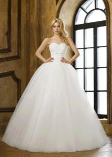 Пышное свадебное платье для фигуры перевернутый треугольник