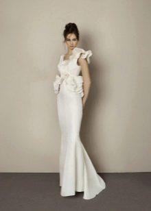 Свадебное платье с объемным рукавом для фигуры груша