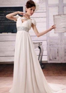 Свадебное платье в стиле ампир с рукавами крылышками