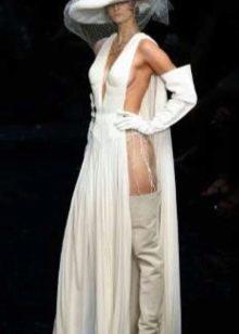 Страшное чрезмерно открытое свадебное платье