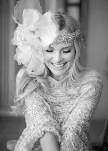 Украшение к винтажному свадебному платью