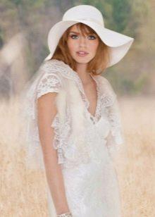 Свадебное винтажное платье со шляпой